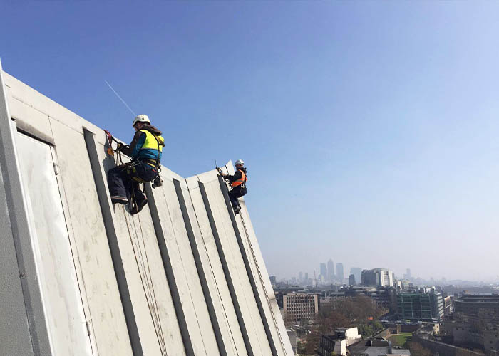 Dynamic Access Commercial Glazing Services Industrial Abseiling Small JPG 004