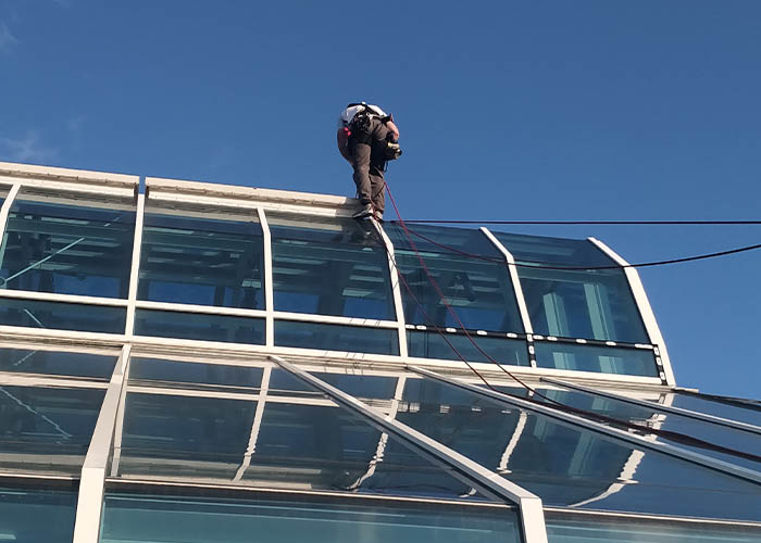 Dynamic Access Commercial Glazing Services Small JPG 009